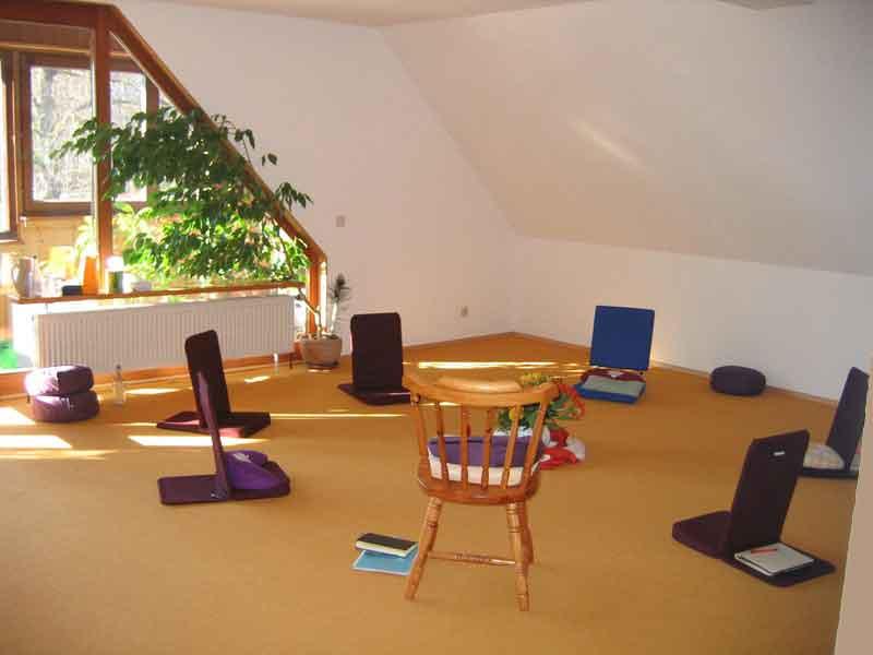 Seminarraum 3 mit Einrichtung